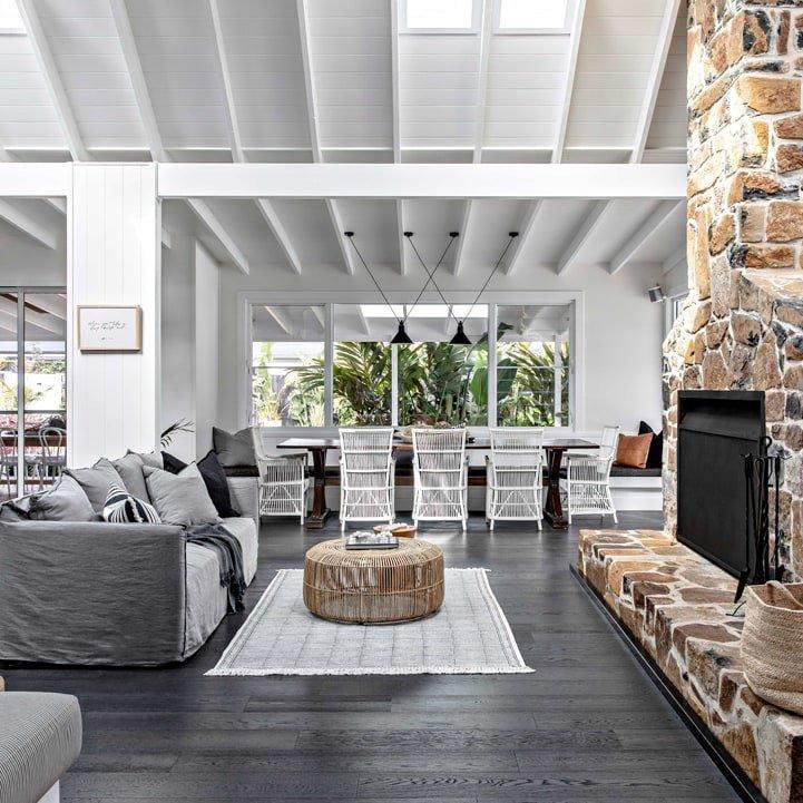 Farmhouse – Living + Sitting